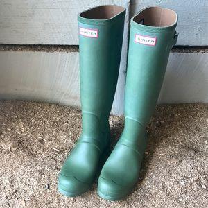 {Hunter} knee high rain boots